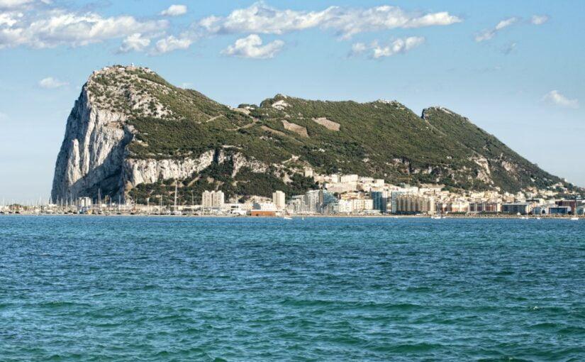Gibraltar set fra havet